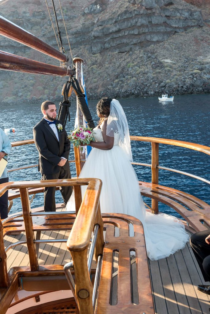 Gabriel Christine Lovwed Lovweddings Santorini Greece Weddingplanning14